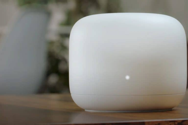 Google Nest Wi-fi sbarca in Italia: router e assistente vocale