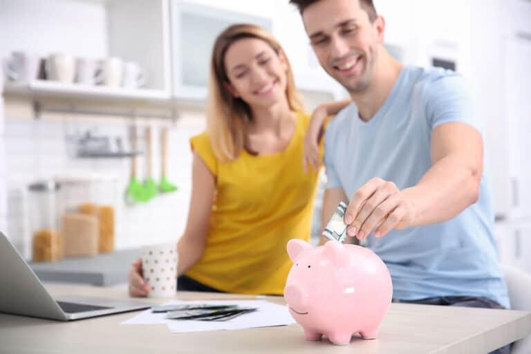 Risparmiare sulle bollette fino a 380€ l'anno senza fatica
