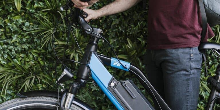 La mobilità elettrica in Italia: è boom di vendite per auto, e-bike e monopattini