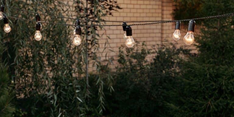 Illuminazione giardino: quali luci scegliere per un'atmosfera magica a basso costo